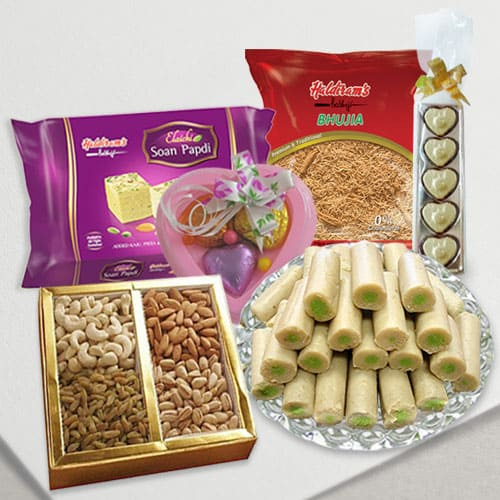Haldirams Splendid-to-Snack Ensemble