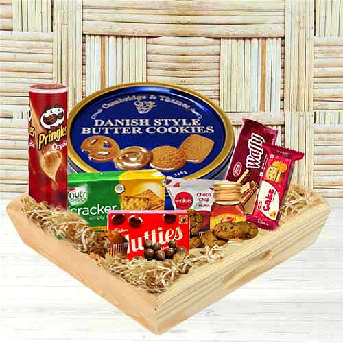 Scrumptious Gourmet Gift Tray