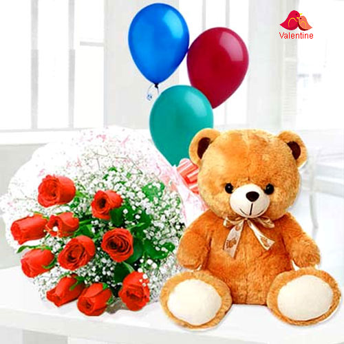 Breathtaking Combo of Plush Teddy with Rose Bouquet & Balloons