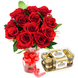 Pretty Bouquet of Red Roses with Ferrero Rocher Chocolates