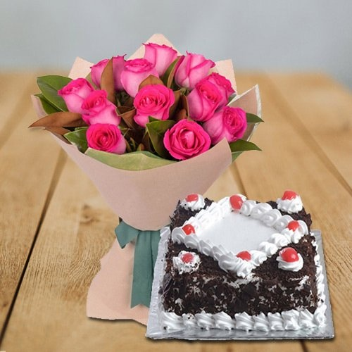 Soft Pink Roses bunch with delectable Black Forest Cake