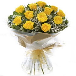 Blushing Yellow Roses Bouquet