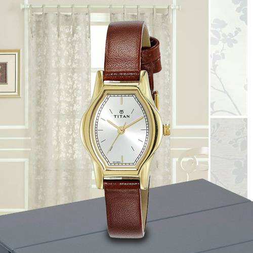 Stunning Titan Karishma Analog Womens Watch