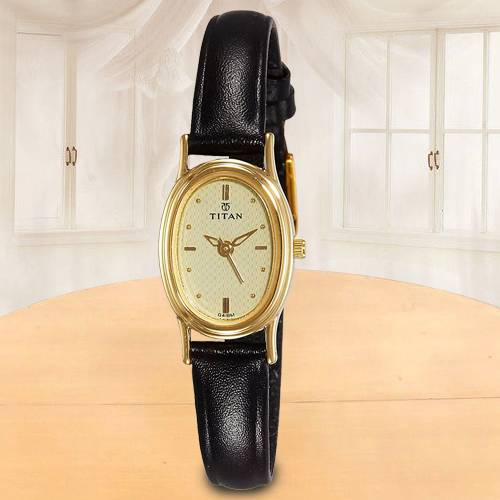 Wonderful Titan Karishma Analog Womens Watch